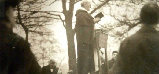 P. McNabb, op, prêchant à Hyde Park, s.d., v. 1925